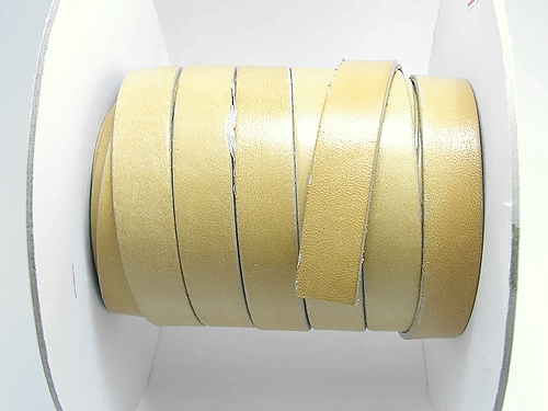 革ヒモ・幅9mm×4m超5m以内(品番15302-5)